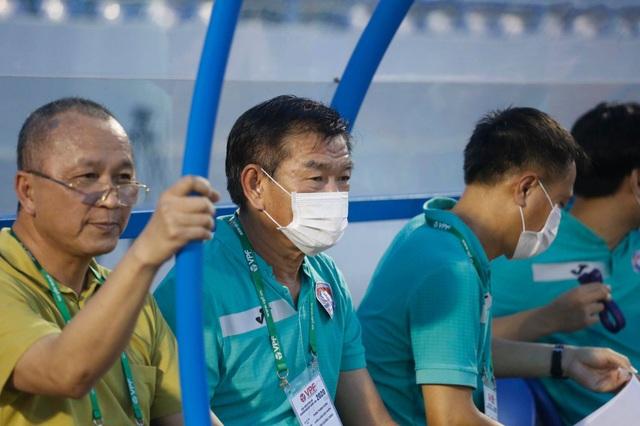 HLV Phan Thanh Hùng dự đoán cuộc đua vô địch V-League - 1