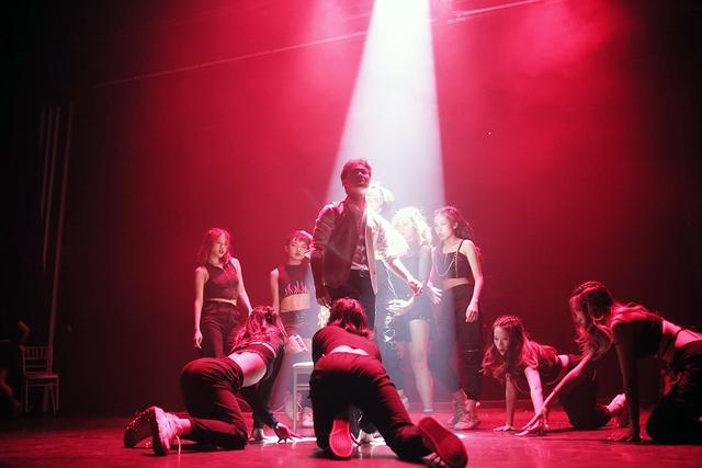 Học sinh chuyên Ams thăng hoa cảm xúc trên sân khấu nhạc kịch - 8
