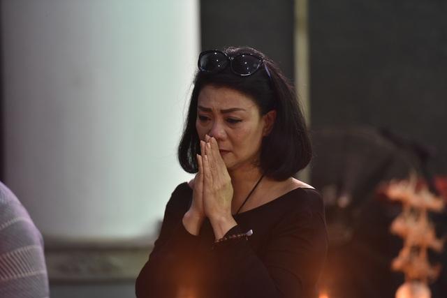 Bố NSƯT Tuấn Phương khóc nghẹn trong tang lễ con trai - 10