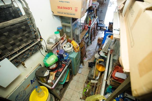 """Cuộc sống đối nghịch trong căn nhà """"siêu nhỏ"""" 7,5 m2 giá 3 tỷ đồng ở Hà Nội - 2"""
