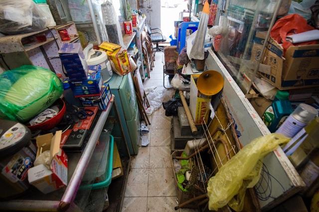 """Cuộc sống đối nghịch trong căn nhà """"siêu nhỏ"""" 7,5 m2 giá 3 tỷ đồng ở Hà Nội - 3"""