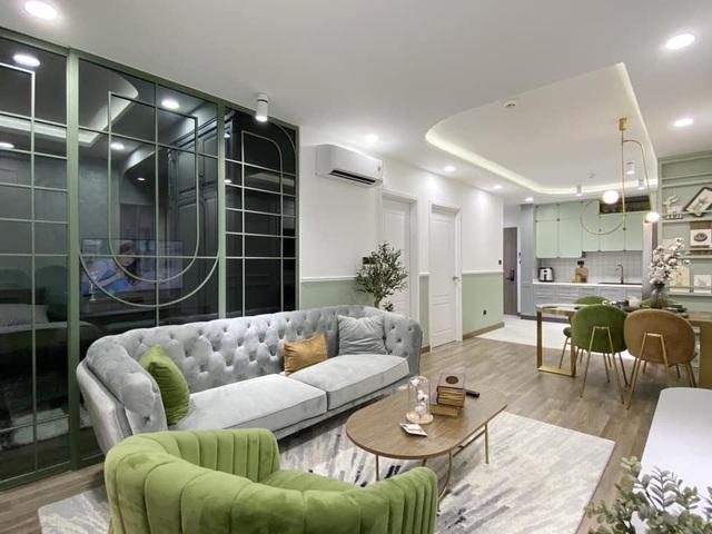 Độc đáo căn hộ màu xanh đẹp như tranh của vợ chồng trẻ Sài Gòn - 1