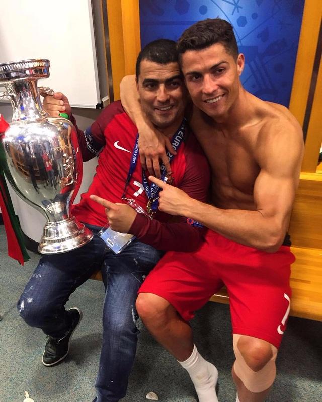 C.Ronaldo gặp rắc rối vì nhà riêng bị trộm đột nhập - 2