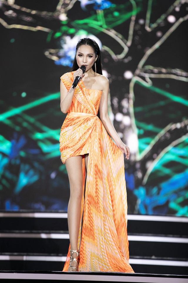 """Hoàng Nhật Nam lí giải """"sự lạ"""" của phần trình diễn áo dài trong đêm Bán kết - 12"""