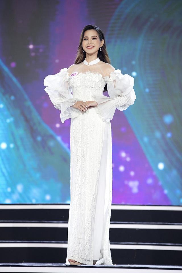 """Hoàng Nhật Nam lí giải """"sự lạ"""" của phần trình diễn áo dài trong đêm Bán kết - 9"""