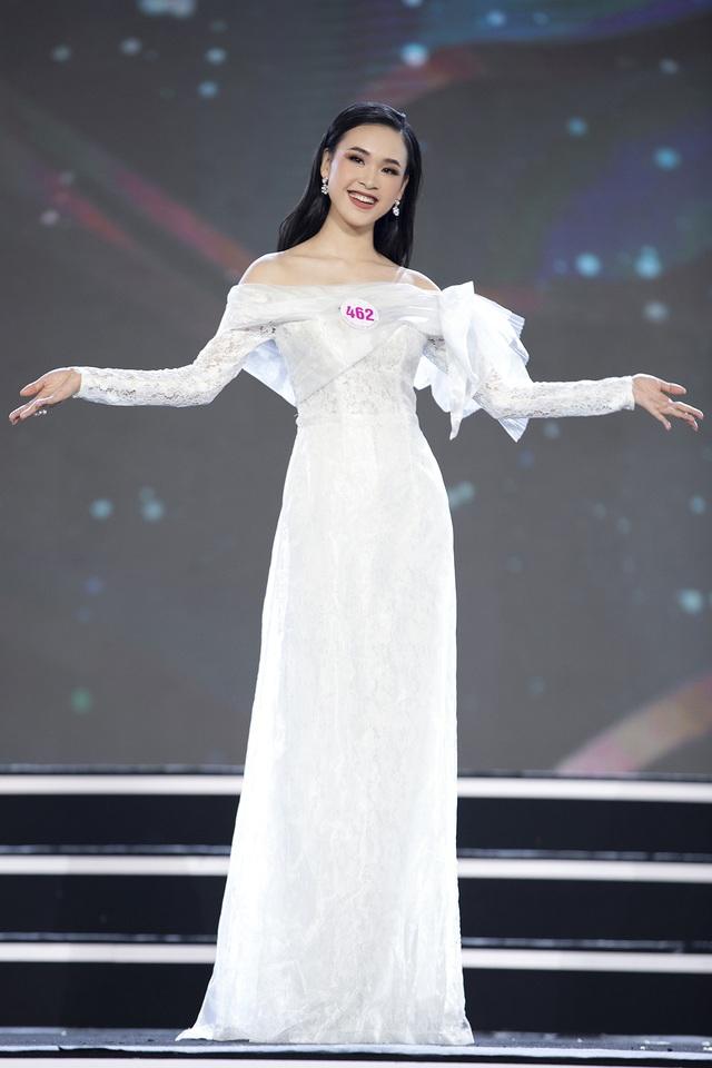"""Hoàng Nhật Nam lí giải """"sự lạ"""" của phần trình diễn áo dài trong đêm Bán kết - 8"""
