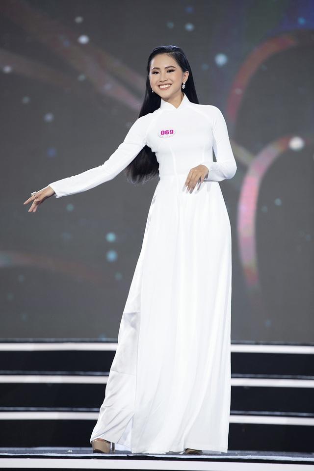"""Hoàng Nhật Nam lí giải """"sự lạ"""" của phần trình diễn áo dài trong đêm Bán kết - 4"""