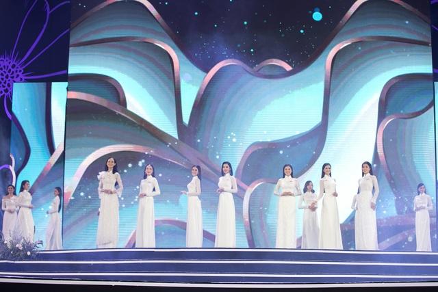 """Hoàng Nhật Nam lí giải """"sự lạ"""" của phần trình diễn áo dài trong đêm Bán kết - 2"""