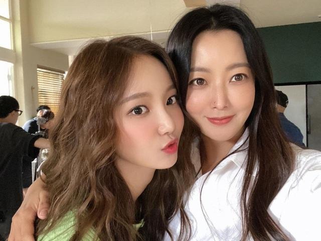 """Ngưỡng mộ nhan sắc """"không tuổi"""" của Kim Hee Sun ở tuổi 43 - 20"""
