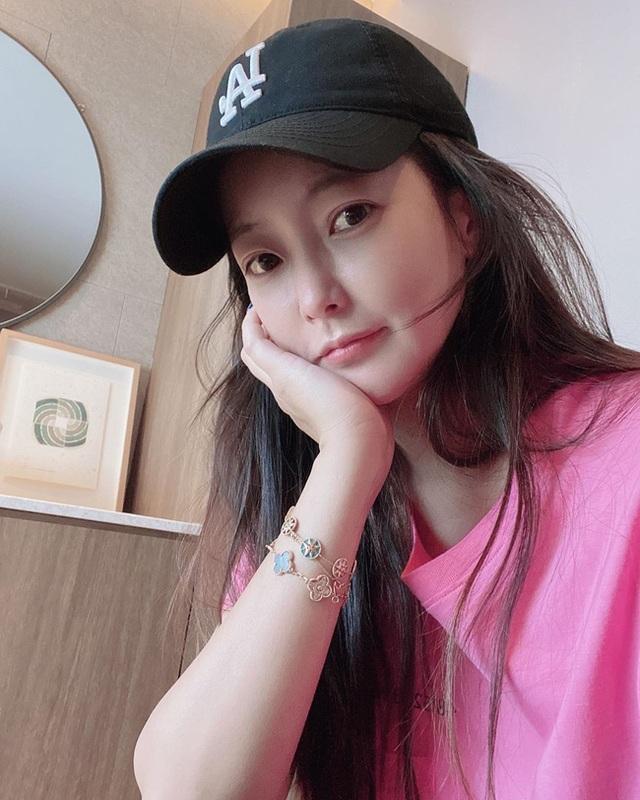"""Ngưỡng mộ nhan sắc """"không tuổi"""" của Kim Hee Sun ở tuổi 43 - 19"""