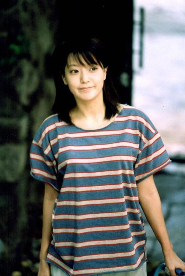 """Ngưỡng mộ nhan sắc """"không tuổi"""" của Kim Hee Sun ở tuổi 43 - 11"""