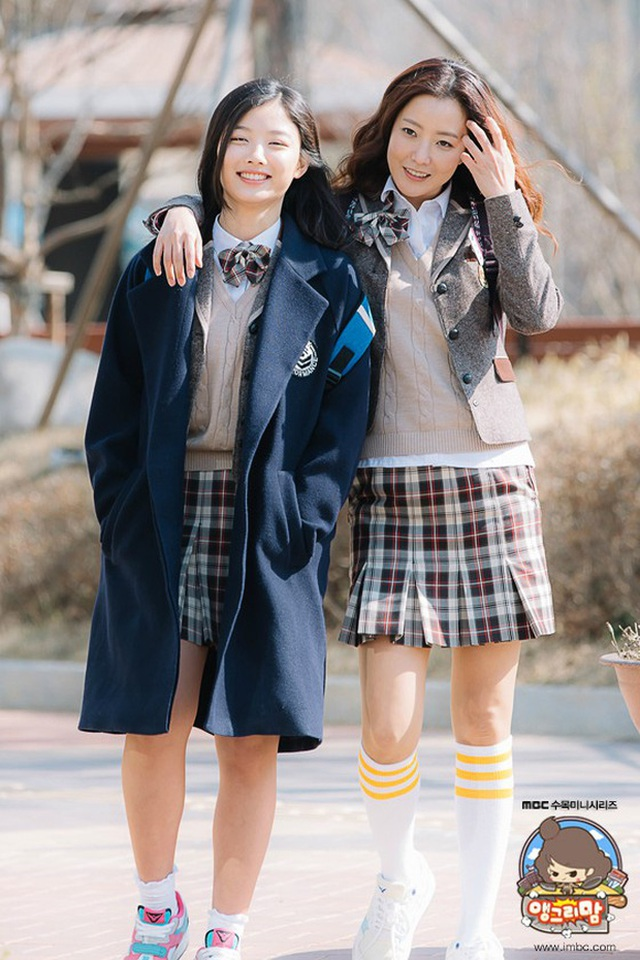 """Ngưỡng mộ nhan sắc """"không tuổi"""" của Kim Hee Sun ở tuổi 43 - 3"""