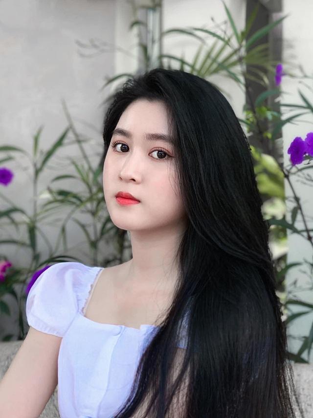 4 nữ sinh ĐH Tôn Đức Thắng sở hữu nhan sắc đẹp cuốn hút - 4