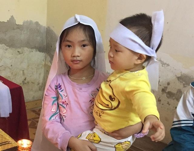 Đau xót nhìn 2 đứa con thơ bơ vơ ngày mất mẹ, người chồng đau đớn nhập viện - 6