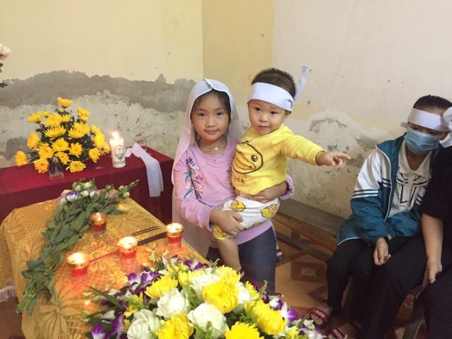 Đau xót nhìn 2 đứa con thơ bơ vơ ngày mất mẹ, người chồng đau đớn nhập viện - 7