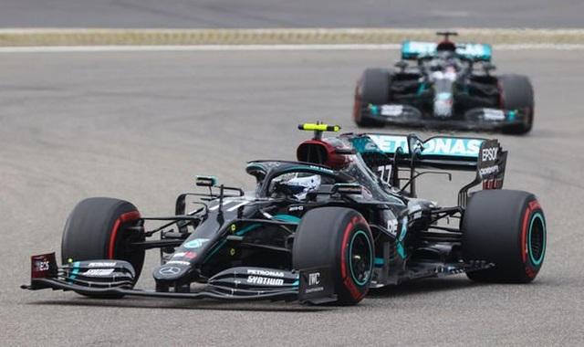 Viên ngọc đen Lewis Hamilton san bằng kỷ lục của huyền thoại Schumacher - 6