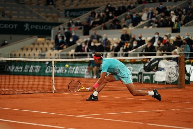 Những khoảnh khắc Nadal đánh bại Djokovic, lập chuỗi kỷ lục mới - 5