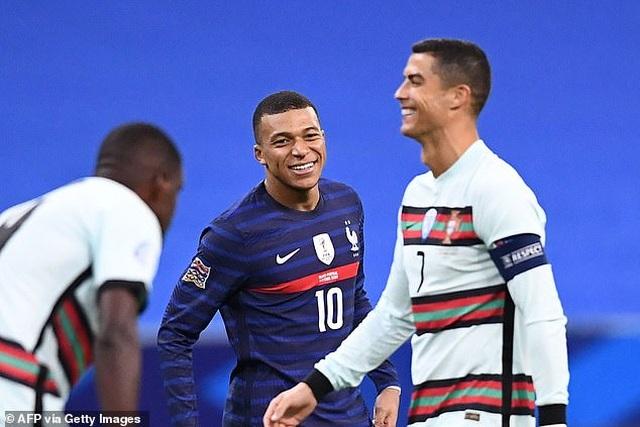 C.Ronaldo im tiếng, Bồ Đào Nha vẫn không thua Pháp - 1