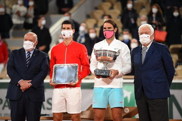 Những khoảnh khắc Nadal đánh bại Djokovic, lập chuỗi kỷ lục mới - 15