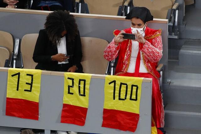 Những khoảnh khắc Nadal đánh bại Djokovic, lập chuỗi kỷ lục mới - 12