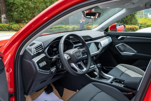 Audi Q3 Sportback ra mắt tại Việt Nam, giá trên 2 tỷ đấu BMW X4 - 3