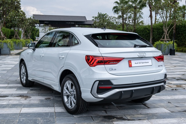 Audi Q3 Sportback ra mắt tại Việt Nam, giá trên 2 tỷ đấu BMW X4 - 2