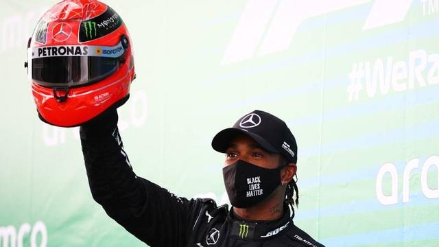 Viên ngọc đen Lewis Hamilton san bằng kỷ lục của huyền thoại Schumacher - 10