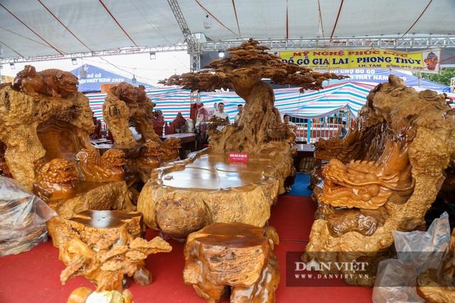 Ngỡ ngàng khúc gỗ được rao bán 10 tỷ đồng tại hội chợ ở Hà Nội - 9