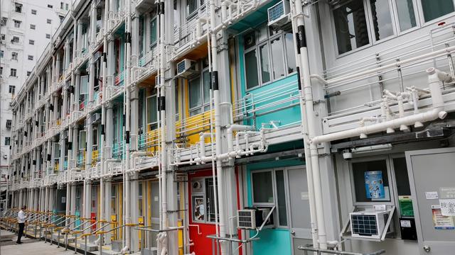 Hồng Kông đối mặt với khủng hoảng nhà đất tồi tệ nhất trong lịch sử - 2