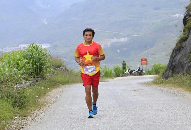 Ông Đoàn Ngọc Hải tiếp tục giành thêm huy chương ở giải marathon - 3