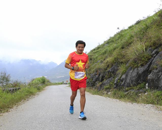Ông Đoàn Ngọc Hải tiếp tục giành thêm huy chương ở giải marathon - 4