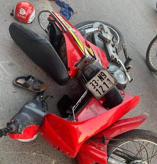 Hà Nội: Thanh niên 18 tuổi say rượu lái ô tô gây tai nạn liên hoàn - 3