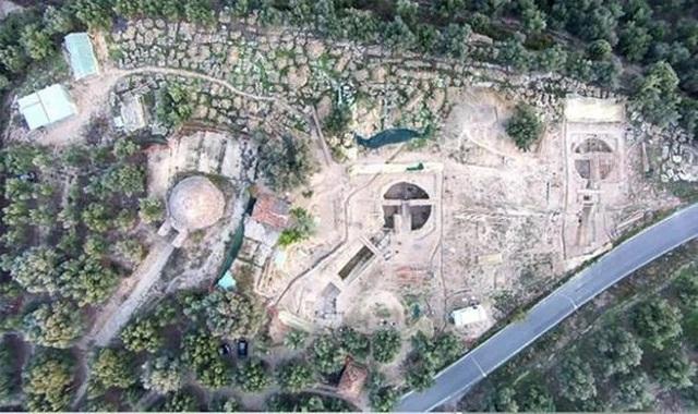 Sốc với cổ mộ chứa đầy vàng bạc, châu báu có một không hai trên thế giới - 1