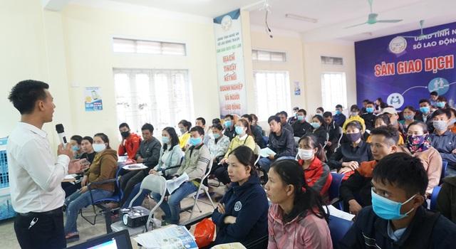 Nghệ An: Phấn đấu đạt 71% lao động qua đào tạo vào năm 2025 - 1