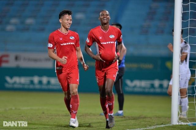 CLB TPHCM hụt hơi, Sài Gòn FC đua vô địch với CLB Hà Nội và Viettel - 4