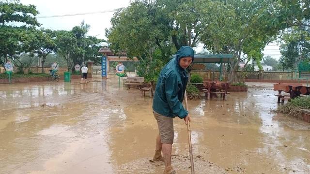 Quảng Trị: Trường học ngập sâu, toàn ngành giáo dục thiệt hại 9,5 tỷ đồng - 4