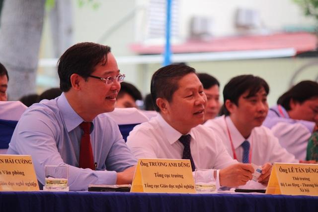 Thứ trưởng Lê Tấn Dũngkiểm tra công tác đào tạo nghề tại TP.HCM - 1