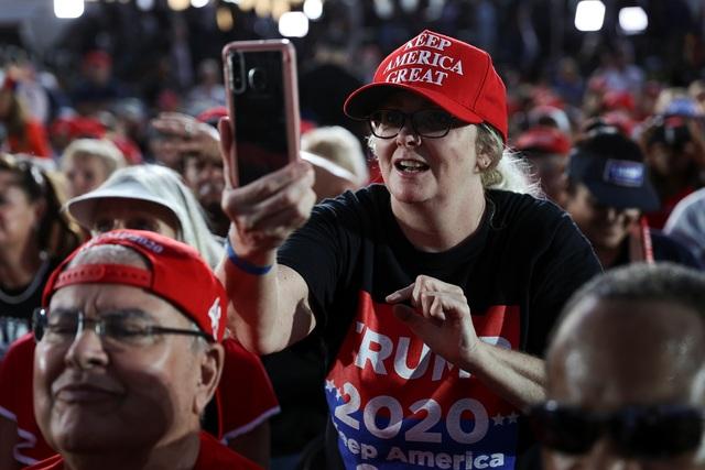 Bầu cử Mỹ 2020: Ông Trump tràn đầy năng lượng khi trở lại đường đua - 9