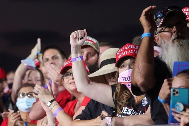 Bầu cử Mỹ 2020: Ông Trump tràn đầy năng lượng khi trở lại đường đua - 7