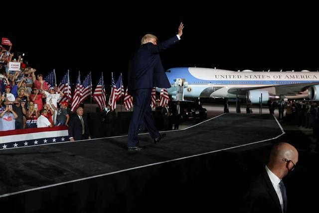 Bầu cử Mỹ 2020: Ông Trump tràn đầy năng lượng khi trở lại đường đua - 10