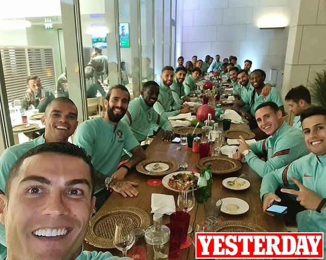 C.Ronaldo nhiễm Covid-19, chia tay đội tuyển Bồ Đào Nha - 2