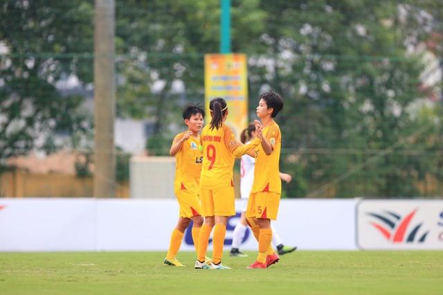 TPHCM vô địch lượt đi giải bóng đá nữ vô địch quốc gia 2020 - 1