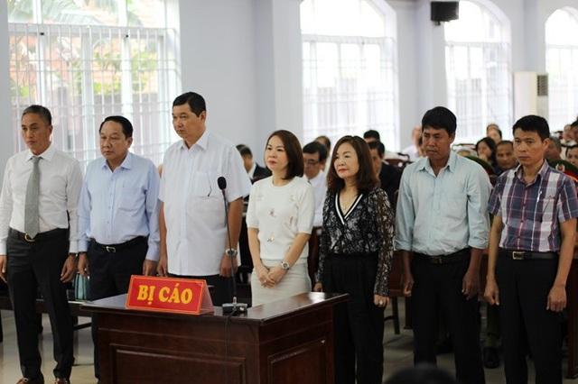 Tòa hoãn xử vì nguyên Chủ tịch UBND TP Vũng Tàu bị bệnh - 2