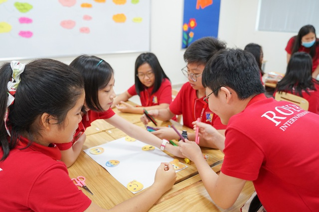 """Học sinh tìm hiểu cách """"sơ cứu cảm xúc"""", phát triển chỉ số EQ - 1"""