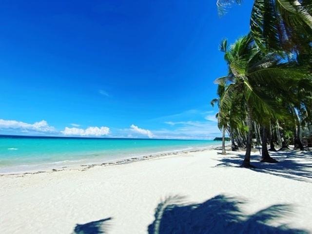 Đảo thiên đường Boracay mở cửa đón du khách trong nước và quốc tế - 1