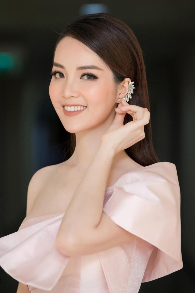 Á hậu Thuỵ Vân nói gì về tin đồn ly hôn chồng, rời bỏ VTV? - 1