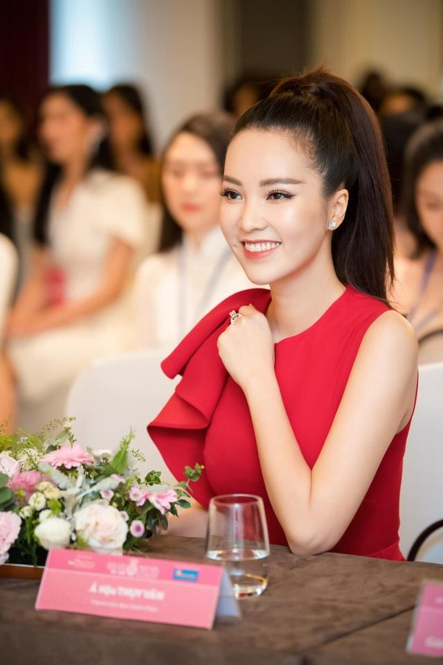 """Á hậu Thuỵ Vân: """"Không có một nghề nào gọi là nghề Hoa hậu cả"""" - 2"""