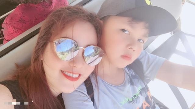 Á hậu Thuỵ Vân nói gì về tin đồn ly hôn chồng, rời bỏ VTV? - 2