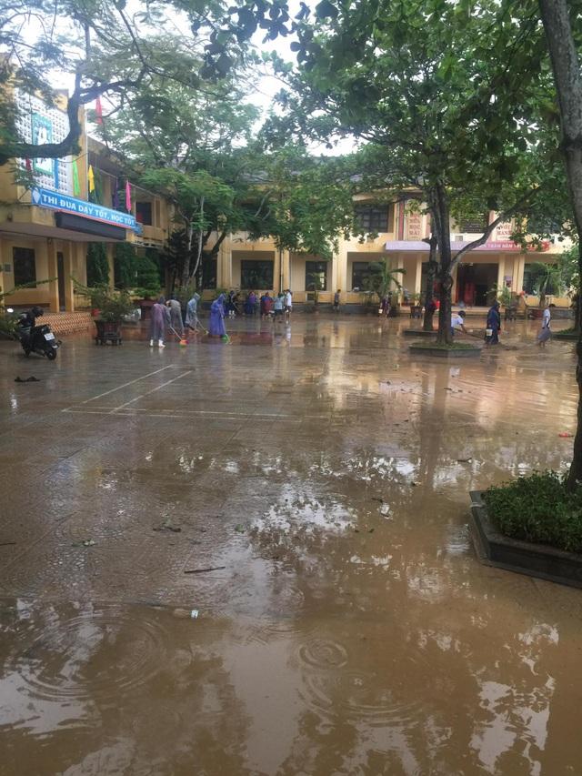 Quảng Trị: Trường học ngập sâu, toàn ngành giáo dục thiệt hại 9,5 tỷ đồng - 2