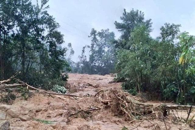 Tân Chủ tịch huyện Phong Điền mất tích cùng đoàn cứu hộ vào Rào Trăng 3 - 2